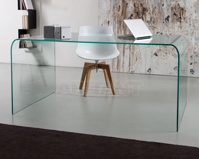 Письменные столы из стекла.